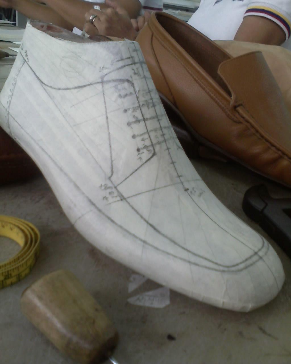 Dise o y modelaje de calzado calzado zapatos y zapateras for Diseno de zapatos