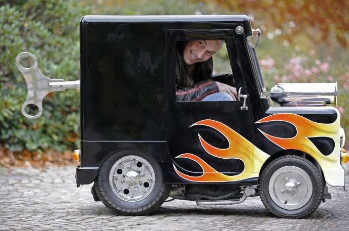 World S Smallest Car Watkins And Perrywinkle Customs Designed The Perfectly Street Legal