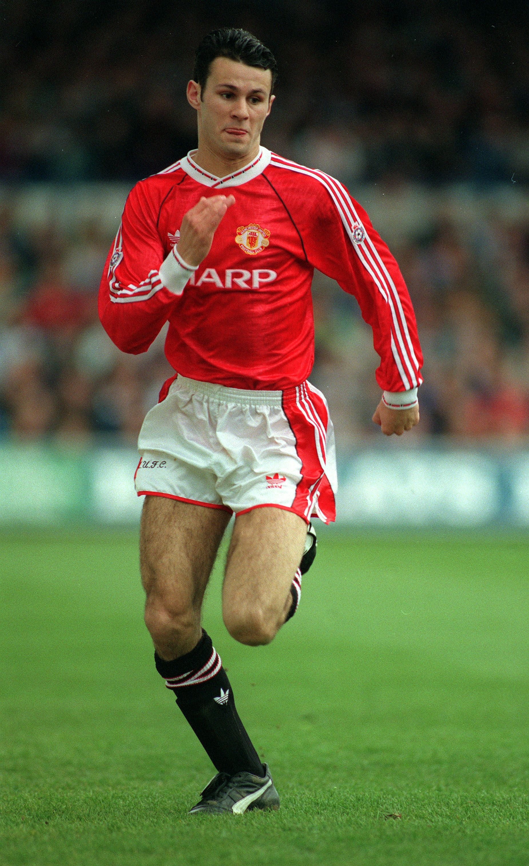 Pin By Jorge Fabiano On Lendas Do Futebol In 2020 With Images Ryan Giggs Manchester United Manchester United Legends