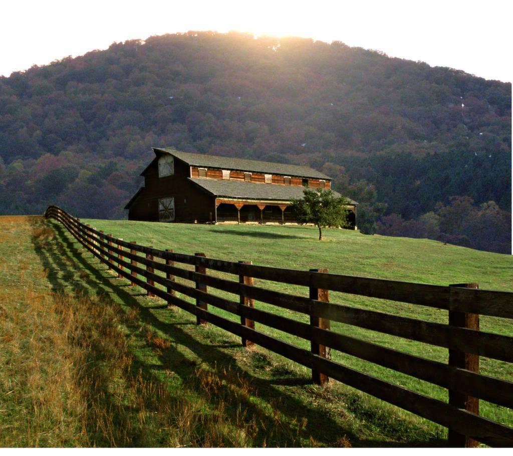 White Oaks Barn Wedding Place