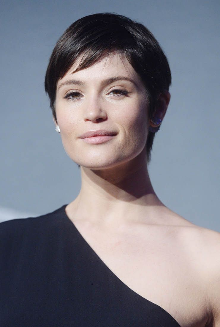Gemma Arterton s short hair and one shoulder   Pixie   Pinterest     Gemma Arterton s short hair and one shoulder