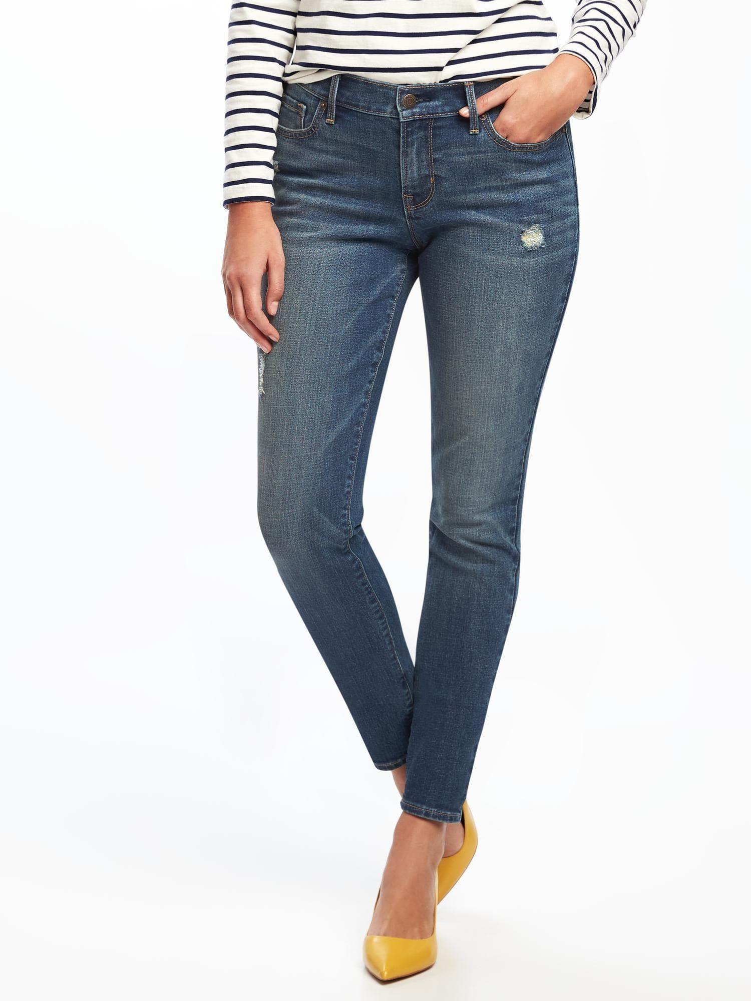 Ich mag zierliche Jeans, Amateur Girls strippen zum ersten Mal