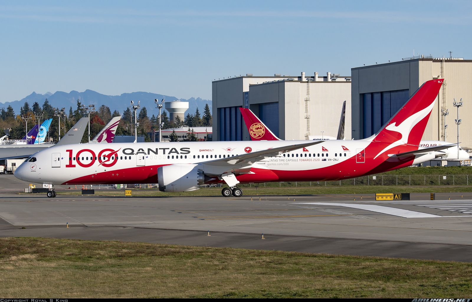 Longreach The 10th 787 For Qantas Wearing A Special Livery