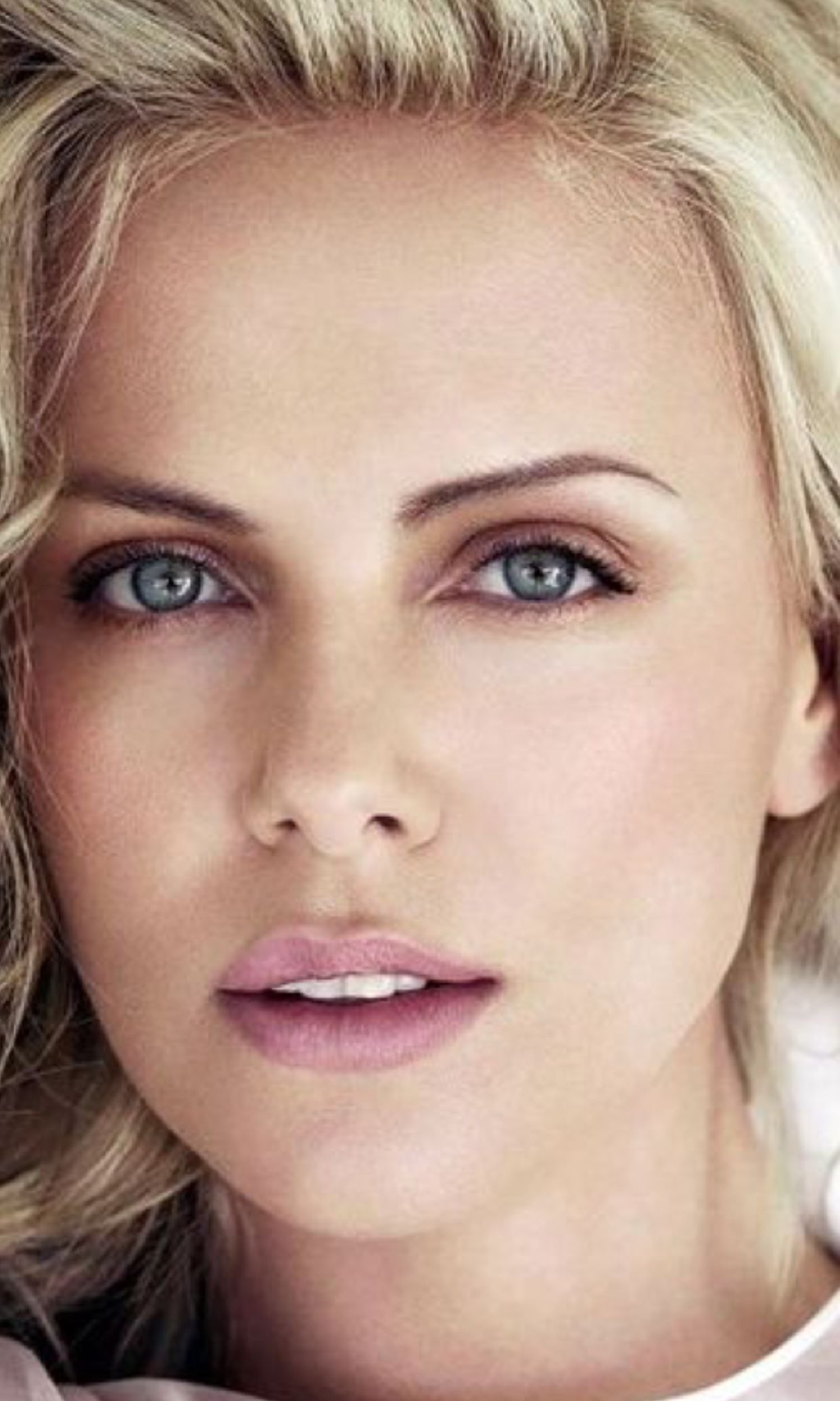 Charlize This Woman And Blake Lively Were Goddesses On Their