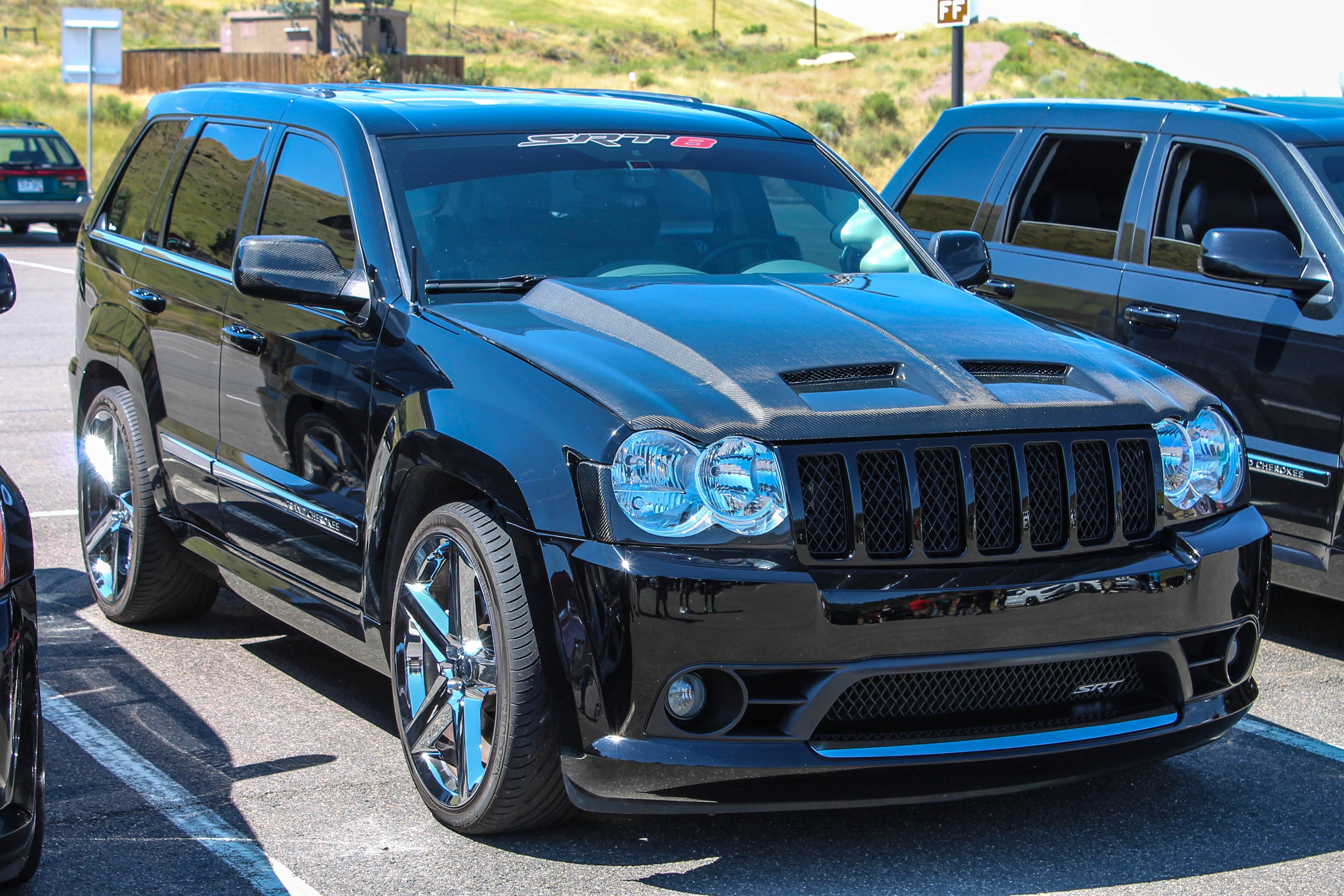 small resolution of jeep srt8 medic hood lowered on 22 s
