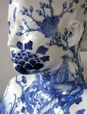 Ah Xian, China, China – Bust 35, 1999. Porcelain in underglaze cobalt-blue with flower and bird design, 34 x 39,5 x 22 cm. Courtesy of Gemeentemuseum Den Haag