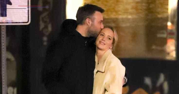 Jennifer Lawrence and Cooke Maroneys Guests Enjoyed Late-Night Snacks at Wedding... - #Cooke #Enjoyed #guests #Jennifer #LateNight #Lawrence #Maroneys #Snacks #Wedding