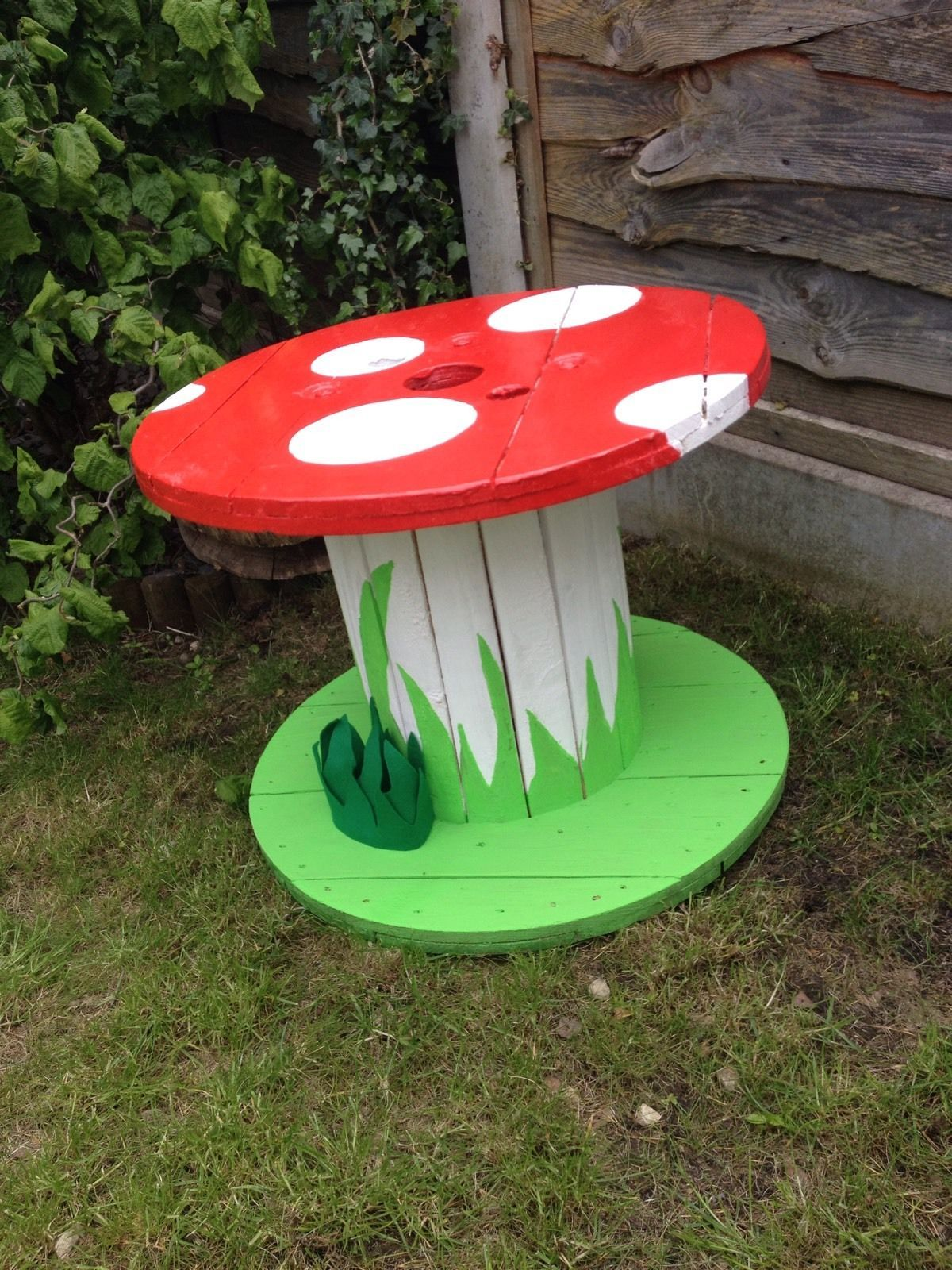Garden ornaments mushroom table upcycled cable reel