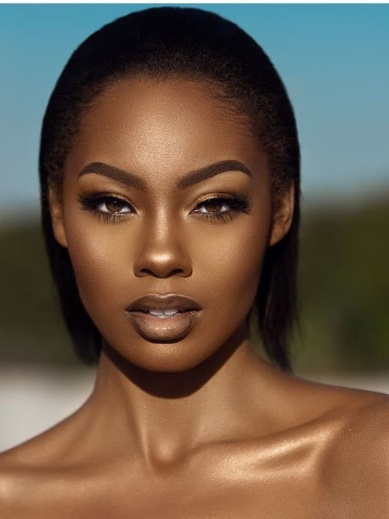 36 Brilliant Daily Makeup Ideas in 2019 for Dark Skin - #Brilliant #Daily #Dark #IDEAS #makeup #Skin #darkskingirls