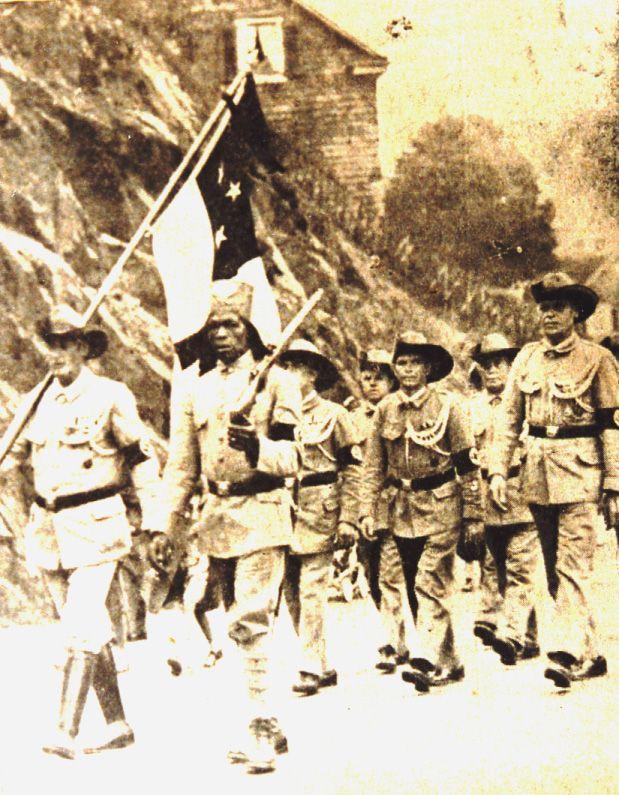 Beim großen Kolonialfest in Lennep-Tocksiepen 1937 wurden Umzüge durch die ganze Stadt in historischen Südwester- und Askari-Uniformen gemacht