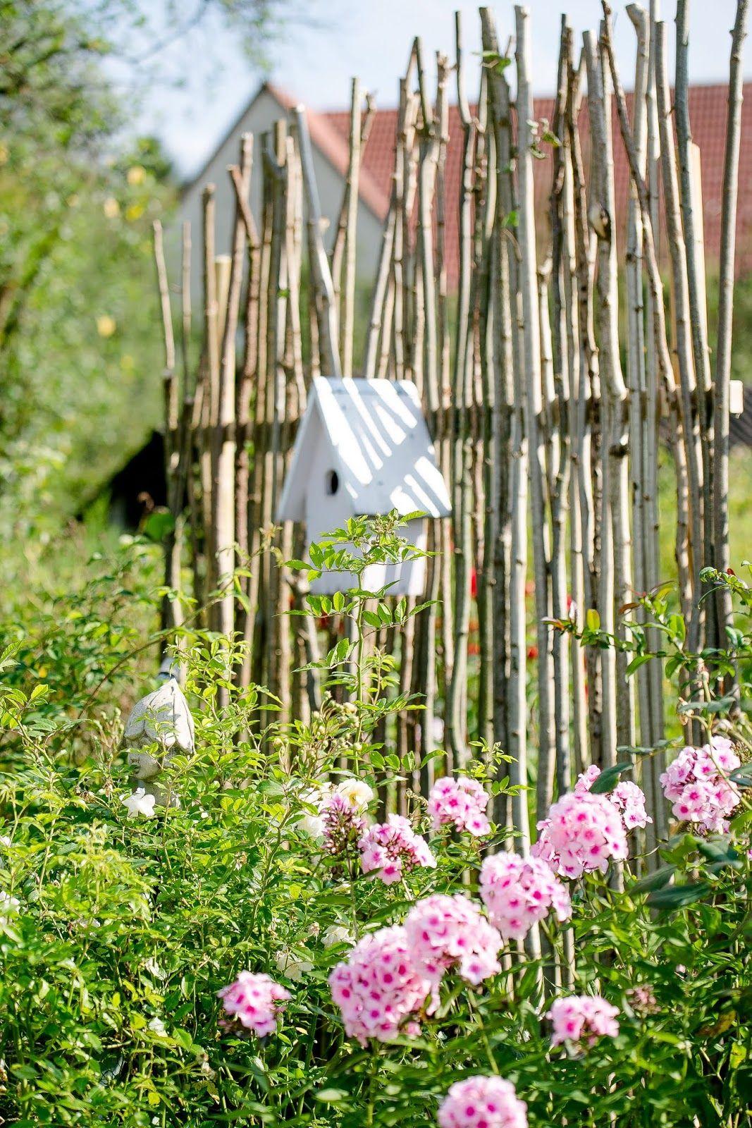Sichtschutz Oder Unkonventionelle Rankhilfe Diy Pomponetti Sichtschutz Garten Diy Gartenideen Gartensichtschutz