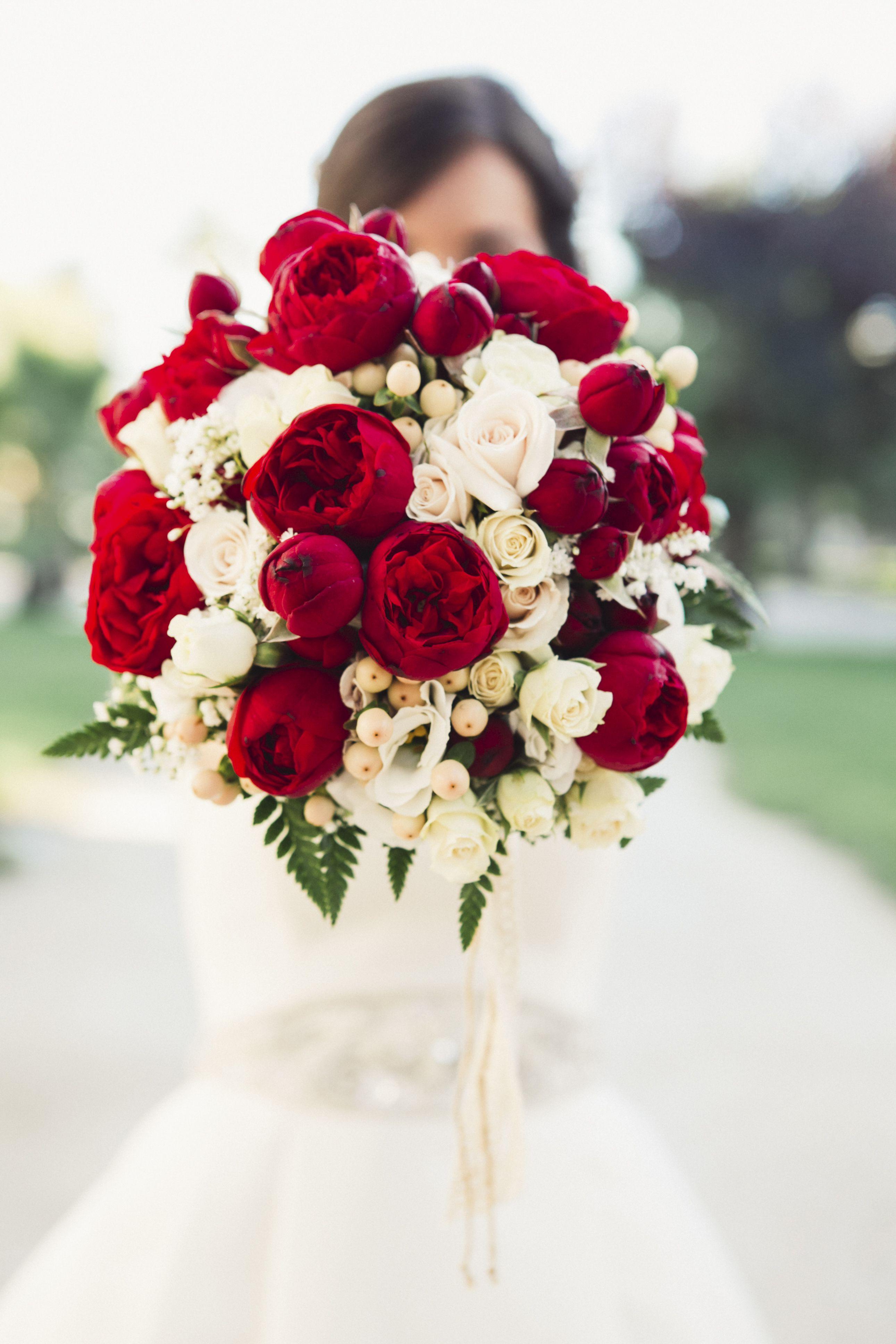 Ramo De Rosas Rojas Y Blancas Future Wedding Pinterest Red