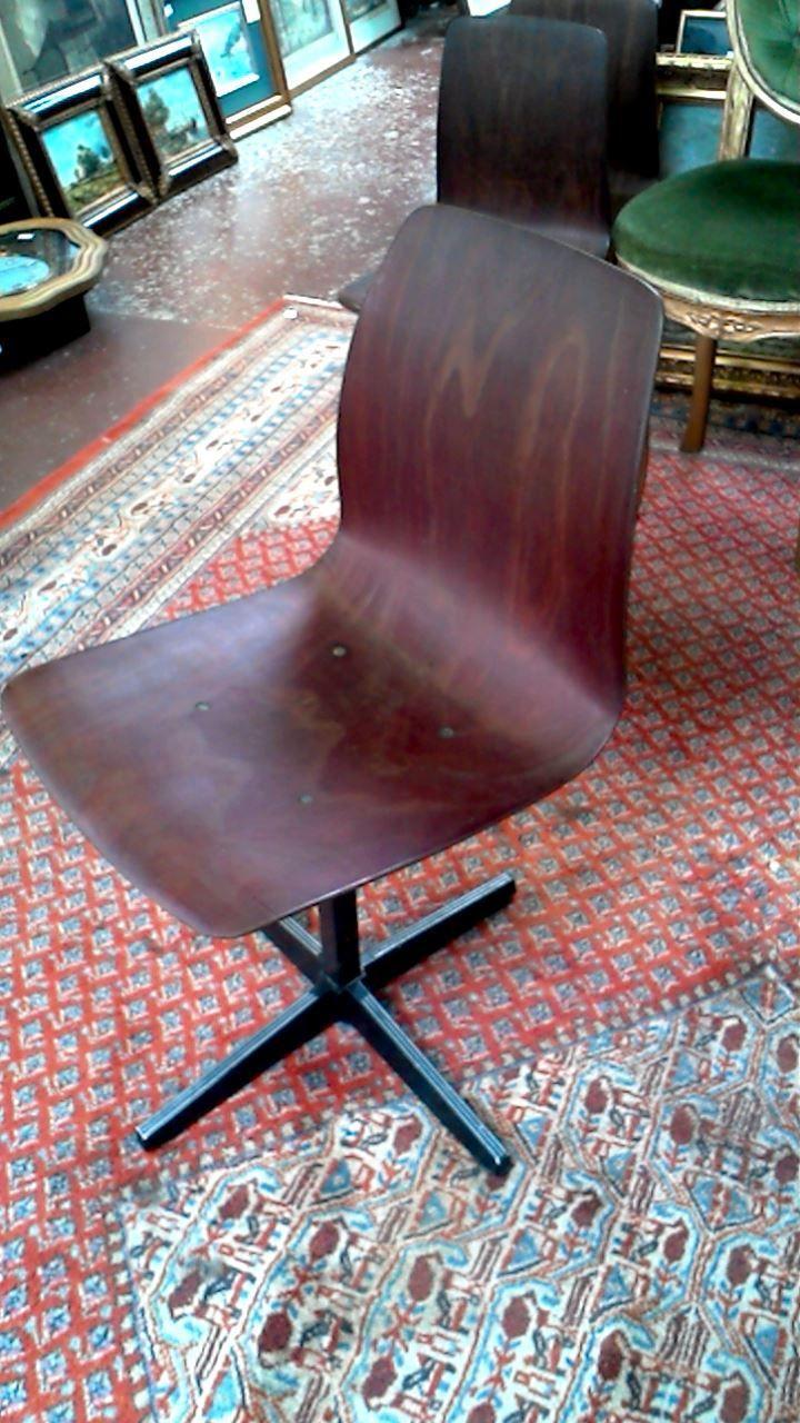 Chaise Vintage Pagolz 29 00 Euro Disponible En Occasion Dans Le Magasin