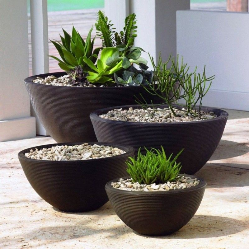 Large black flower pots for modern home decoration for Large garden planter ideas