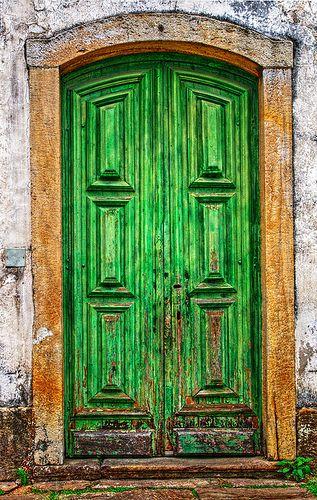 Porta lateral - HDR    Igreja São Francisco de Assis, Ouro Preto, Minas Gerais, Brasil