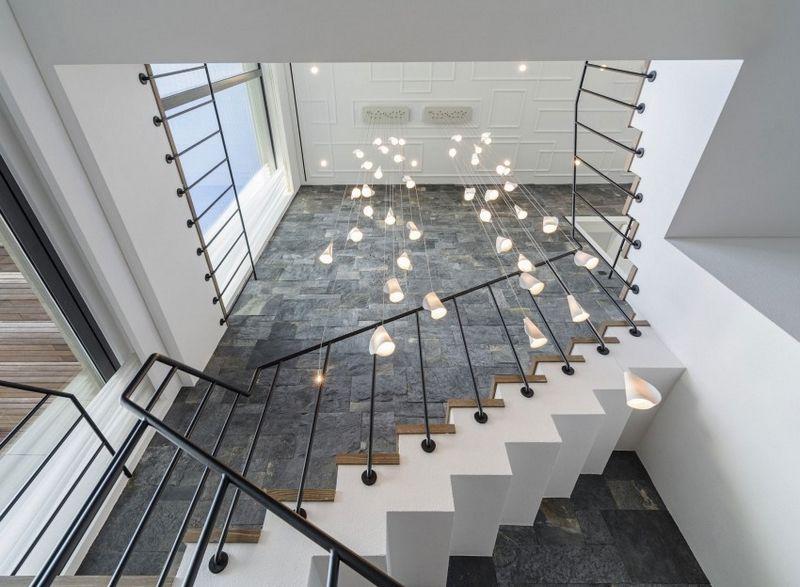 Parement Ardoise Interieur Escalier Blanc Tournant Et Suspensions