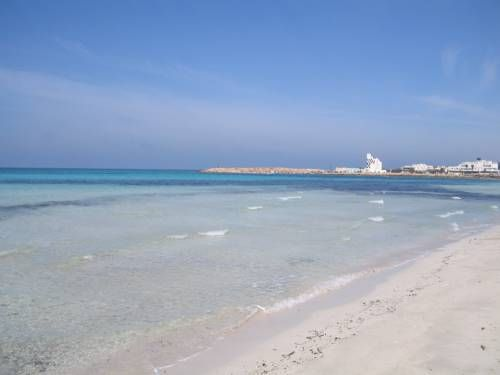 Lido Pazze Torre San Giovanni Ugento Lido Pazze is situated in Torre San Giovanni Ugento, 20 km from Gallipoli. Otranto is 43 km away.  All units feature a TV. Some units have a terrace and/or balcony with sea views. There is also a kitchen, equipped with an oven and fridge.