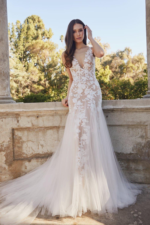 Mermaid Wedding Dress With Rich Beadwork Size 12 Wedding Dress Essense Of Australia Wedding Dresses Wedding Dresses For Sale [ 1914 x 1200 Pixel ]