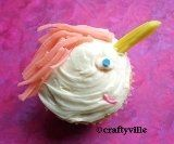 How to make unicorn cupcakes with candy, twizzlers and gum strips. Find unicorn cupcake recipes, unicorn cupcake pictures, unicorn cupcake ideas,...