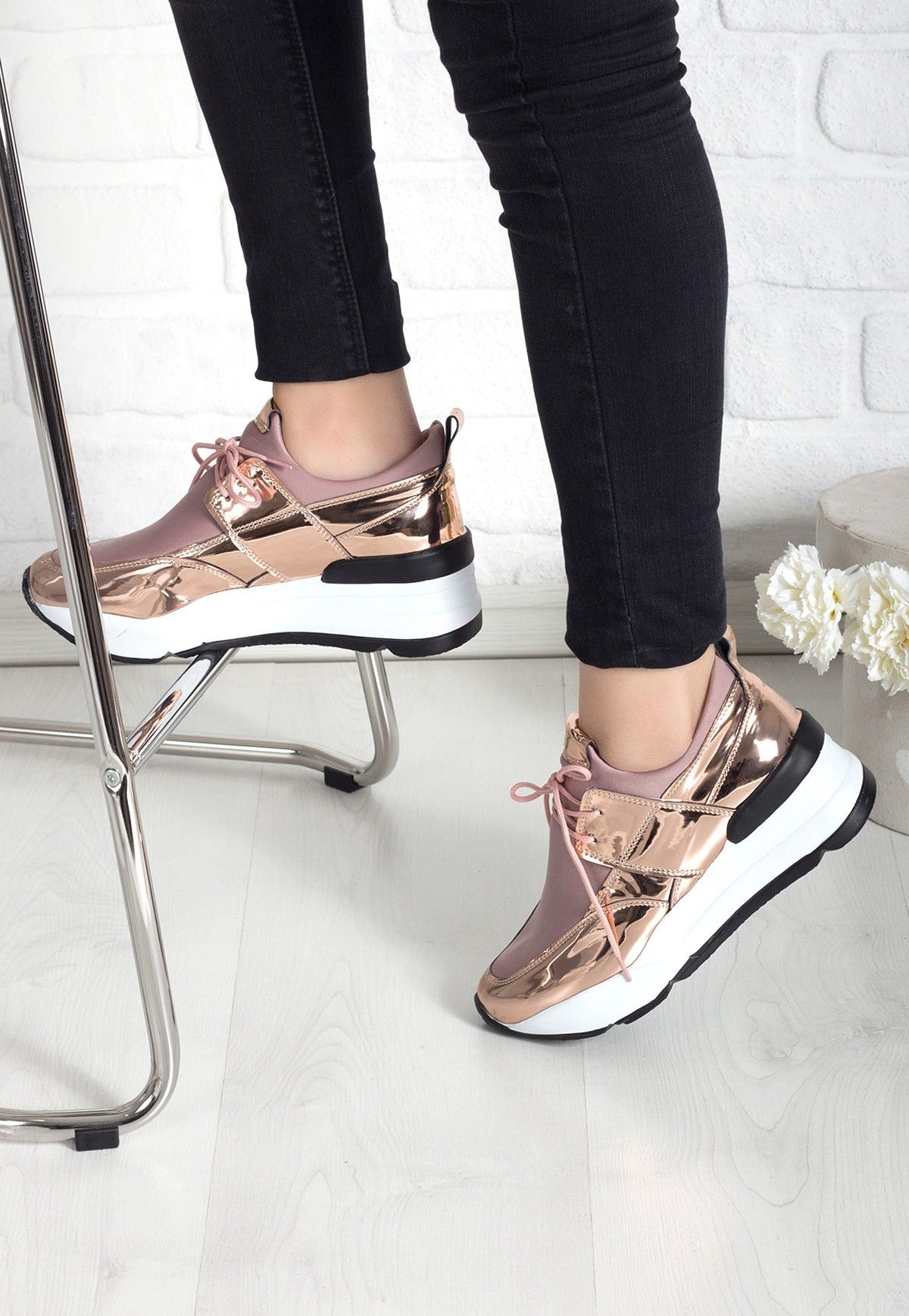 Velerina Gold Bayan Spor Ayakkabi Her Gun Indirimli Ayakkabi Icin Indirimliayakkabi Com Ayakkabi Indiri Elegant Sneakers Fantastic Shoes Sneakers Fashion
