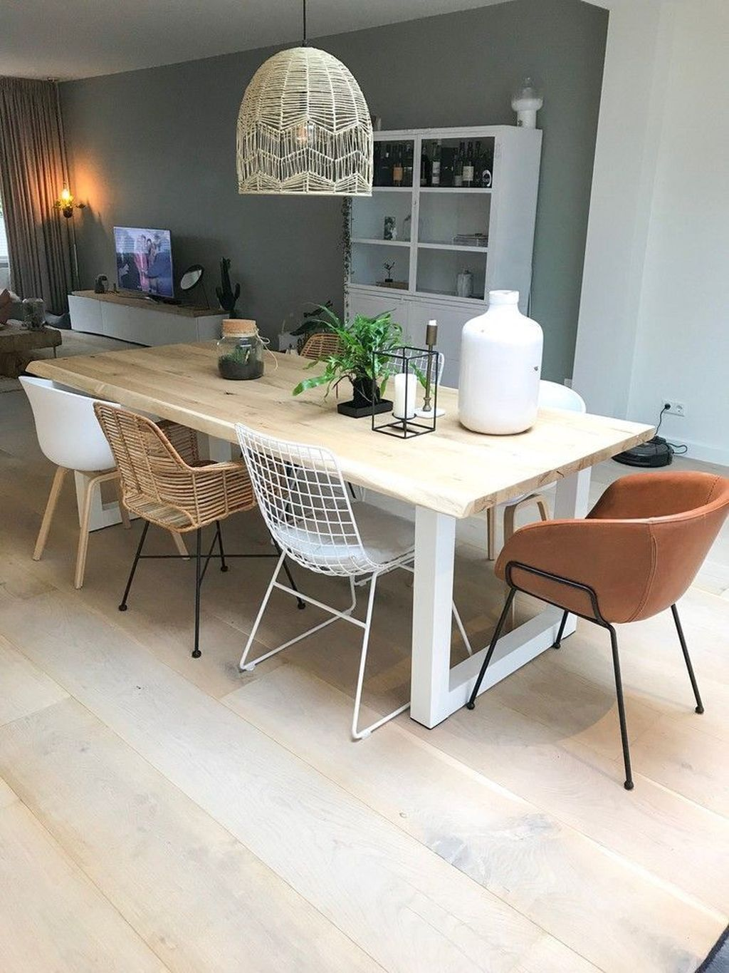 30 Stunning Small Dining Lighting Design Ideas For Stylish Dining Room Dining Room Design Minimalist Dining Room Dining Table Design