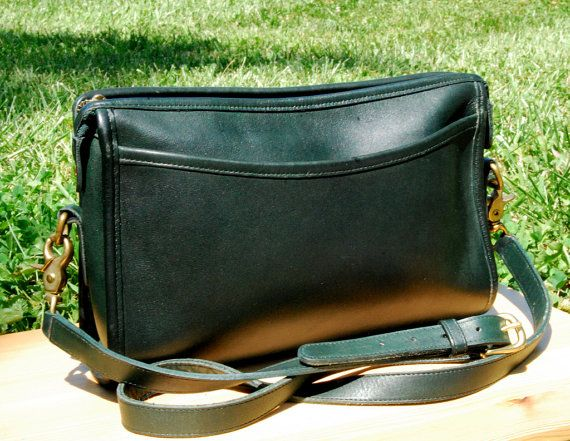 7cb90be6da0d Vtg COACH Zip Top Taylor Crossbody Bag in Forest Green    90s Dark Green  Leather Coach Purse    Made in USA    Excellent Vintage Condition
