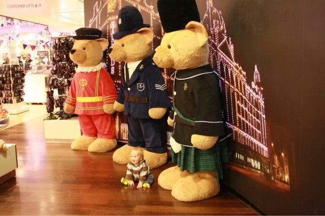 Harrods Giant Bears · Harrods KnightsbridgeTeddy BearsToy ...