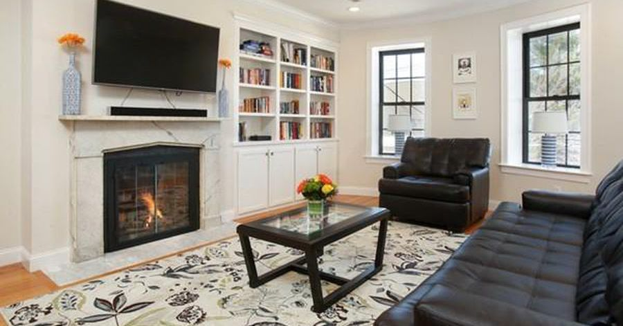 How Much For A One Bedroom Condo In Charlestown S Gas Light District With Images One Bedroom Home Buying Gas Lights