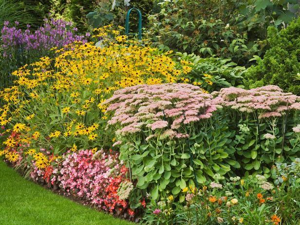 Cottage Garden Style: Cottage Gardens Feature Abundance And Informality.  From HGTV.comu0027s Garden
