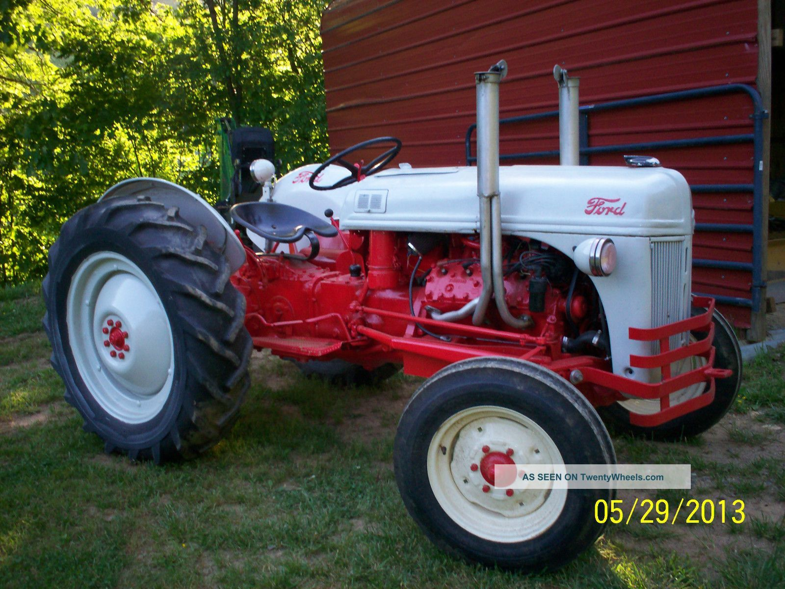 Ford 8 Tractors 1951 Ford 8n Tractor V8 With Images Tractors