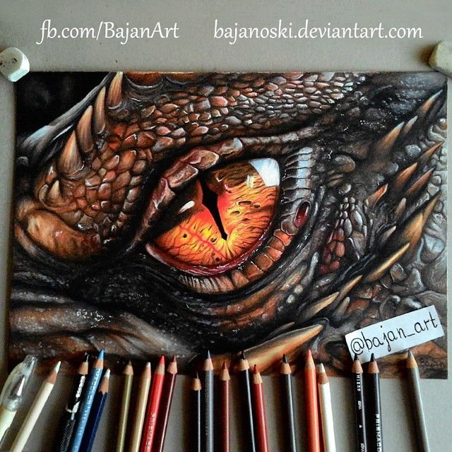 "Photo of Łukasz Andrzejczak ♊ on Instagram: ""Smaug's eye drawing www.facebook.com/BajanArt #sketch_daily #bouchac #instaartistcreations #mikedoodle #cielo_art # triplesartists…"""