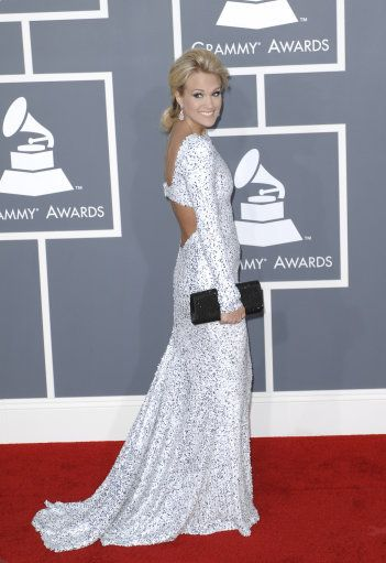 Carrie Underwood at the Grammy's. LOVE this dress.