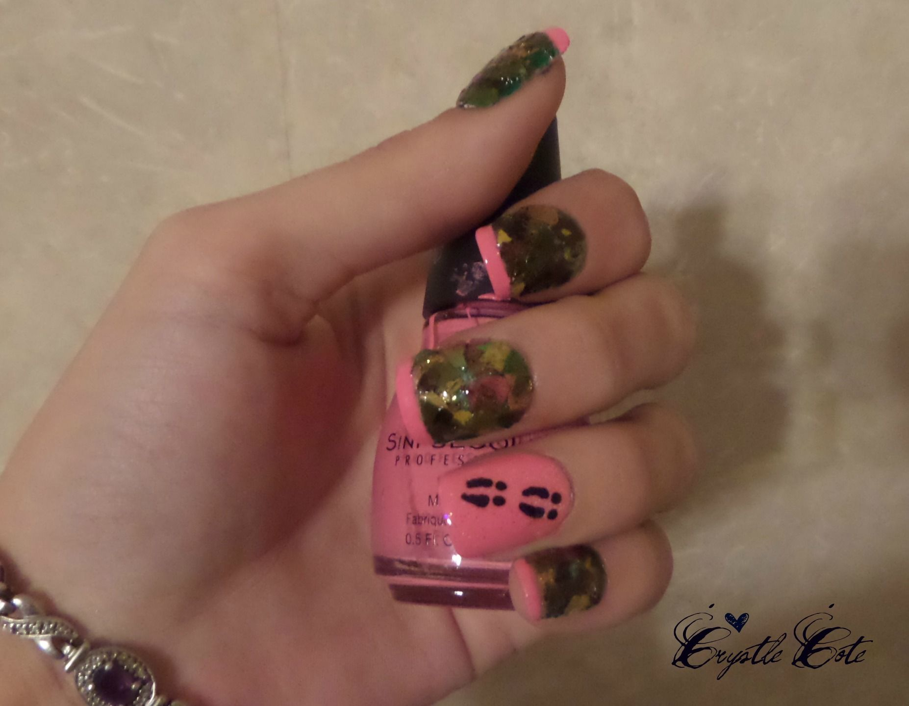 Pink camouflage nail art youtube camouflage nail art tutoral on realtree nail art done with all real leaves pink tips and real tree nail art prinsesfo Image collections
