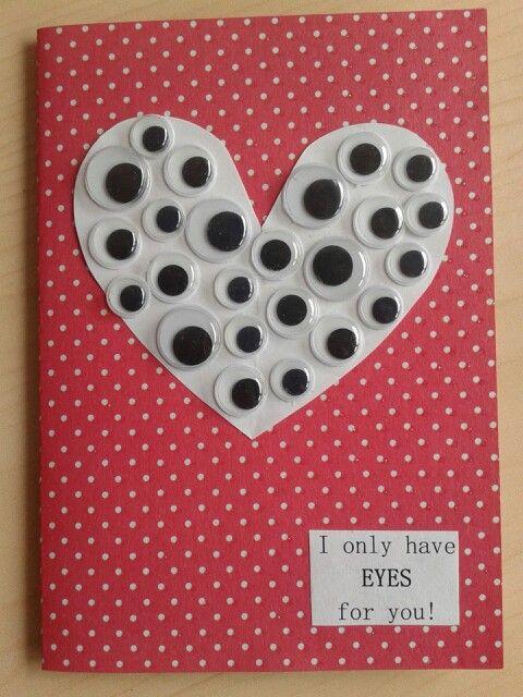 Leuk ideetje voor valentijnsdag. Het enige wat je nodig hebt : een leuk A5 papiertje, wiebeloogjes en wit papier. Super simpel en naar mijn idee ook super schattig ! #valentines #ideas