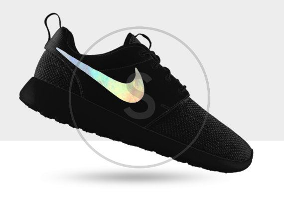 nike roshe trainers in holographic black