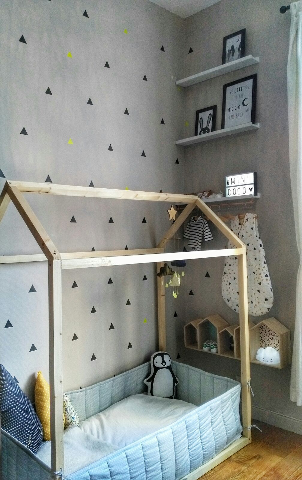 diy comment fabriquer un lit cabane kids rooms. Black Bedroom Furniture Sets. Home Design Ideas