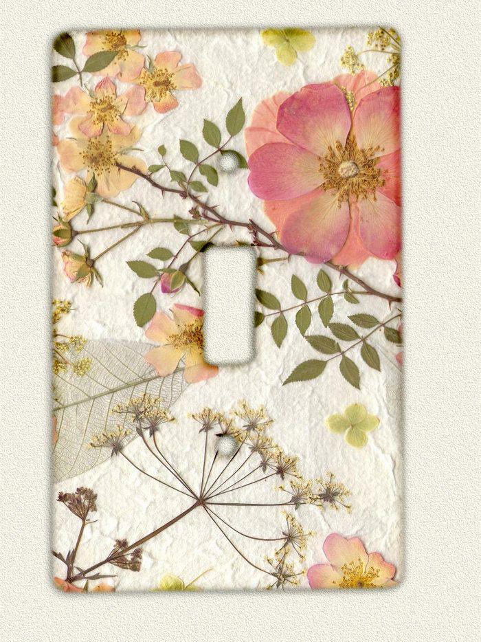 Switch Plate Pressed Flower Art $900, via Etsy Flores - flores secas