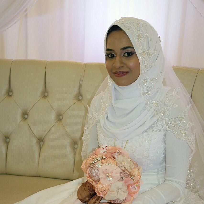 Aneesa muslim