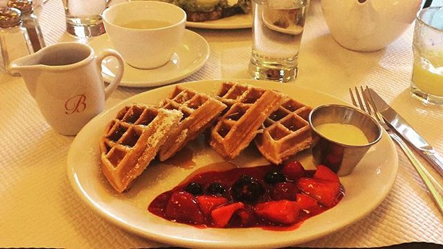 YUMMY Hazelnut waffles, berries, crème fraîche and maple syrup for breaky @balthazarldn #Guilty