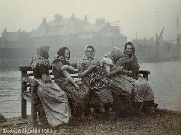 herring girls knitting