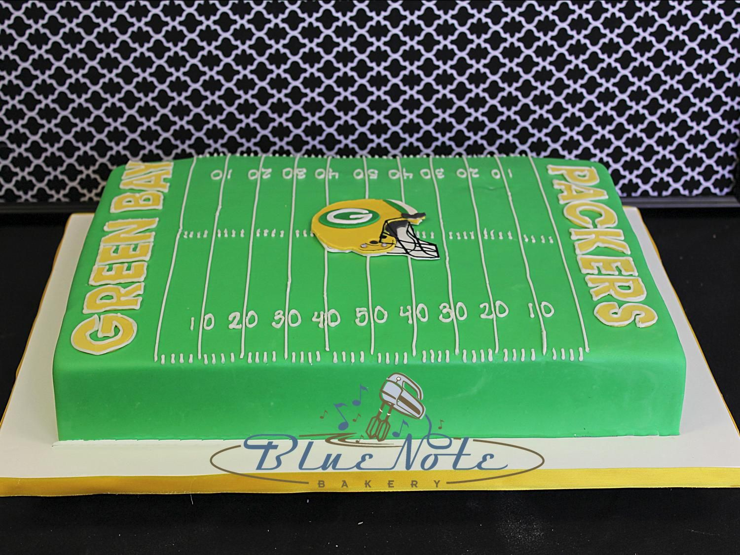 Green Bay Packers Football Field Groom S Cake Blue Note Bakery Austin Texas Green Bay Packers Birthday Packers Cake Green Bay Packers Cake