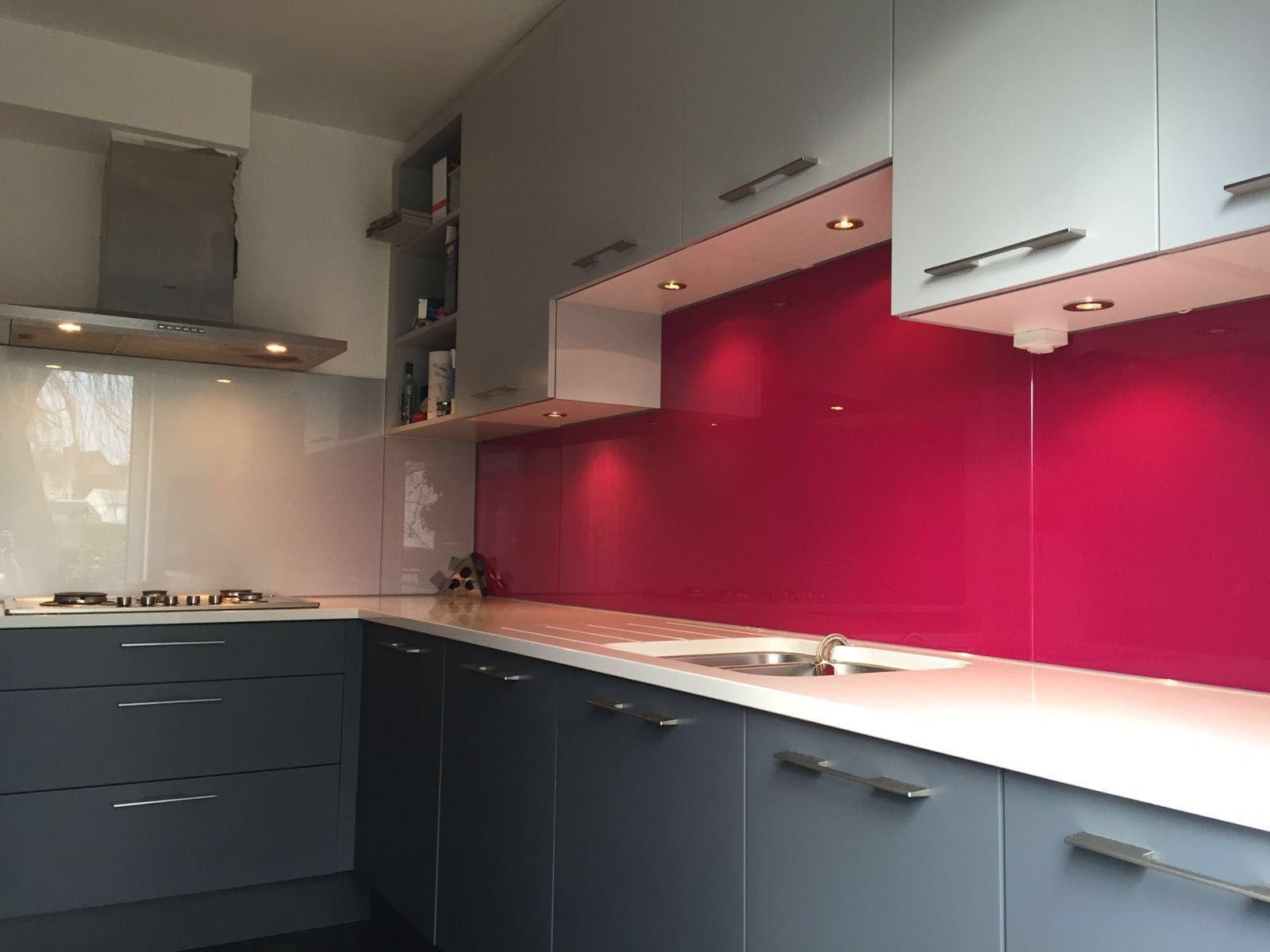 Combinatie kleuren keuken greeploze keuken met push to open kasten