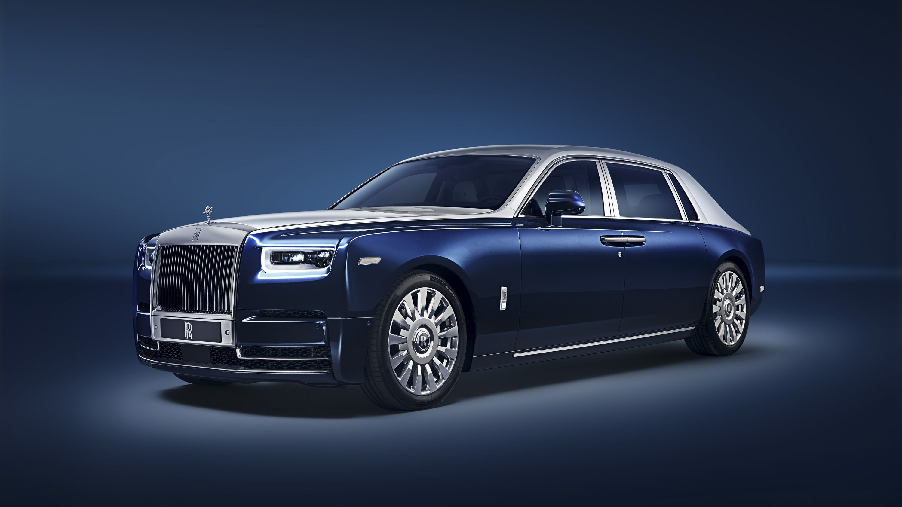 Rolls Royce S Privacy Suite Ensures That Nobody Bothers You When You Re Inside The Ew Phantom Top Speed Rolls Royce Phantom Luxury Cars Rolls Royce Rolls Royce Interior