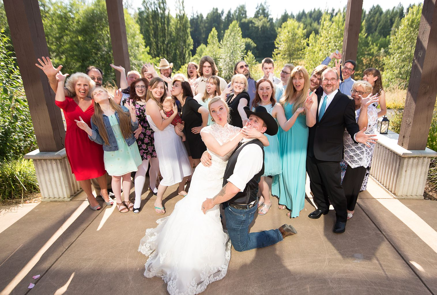 This family knows how to pull off silly faces! Photo by nallayerstudios.com
