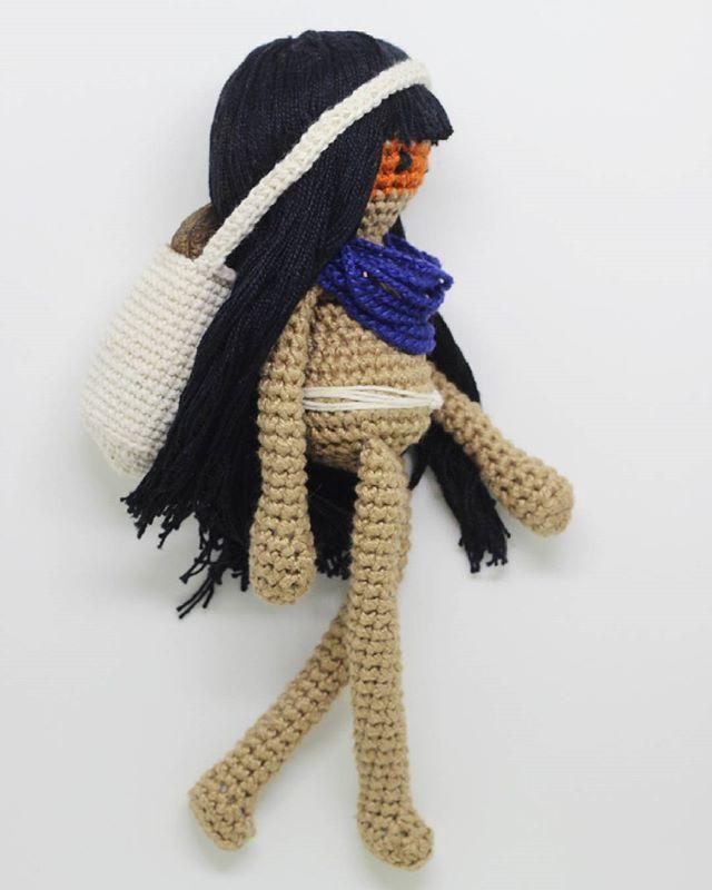 Indiazinha ❤ ---  capitaganchocroche@hotmail.com ✈ Enviamos para todo o Brasil  peças a venda na loja @buritiartes  Praia da Pipa / RN  foto: @silvialbertifotografia --- #croche #crochetaddict #moderncrochet #artesanato #crochetofinstagram #crochetlove  #presentes  #presentescriativos  #mimos  #fofura  #amigurumi #ganchillo  #craftastherapy #heklanje #handmade  #design #yarnaddict #babybooties #babyfashion #bebefashion #sapatinhos #allstar #meninos #meninas #newborn #recemnascido