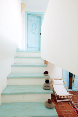 cool blue stairway.  I did this once in red and white.  It was really cool, although my realtor said it should be painted to sell the house.  I told her it wasn't going to happen. :)