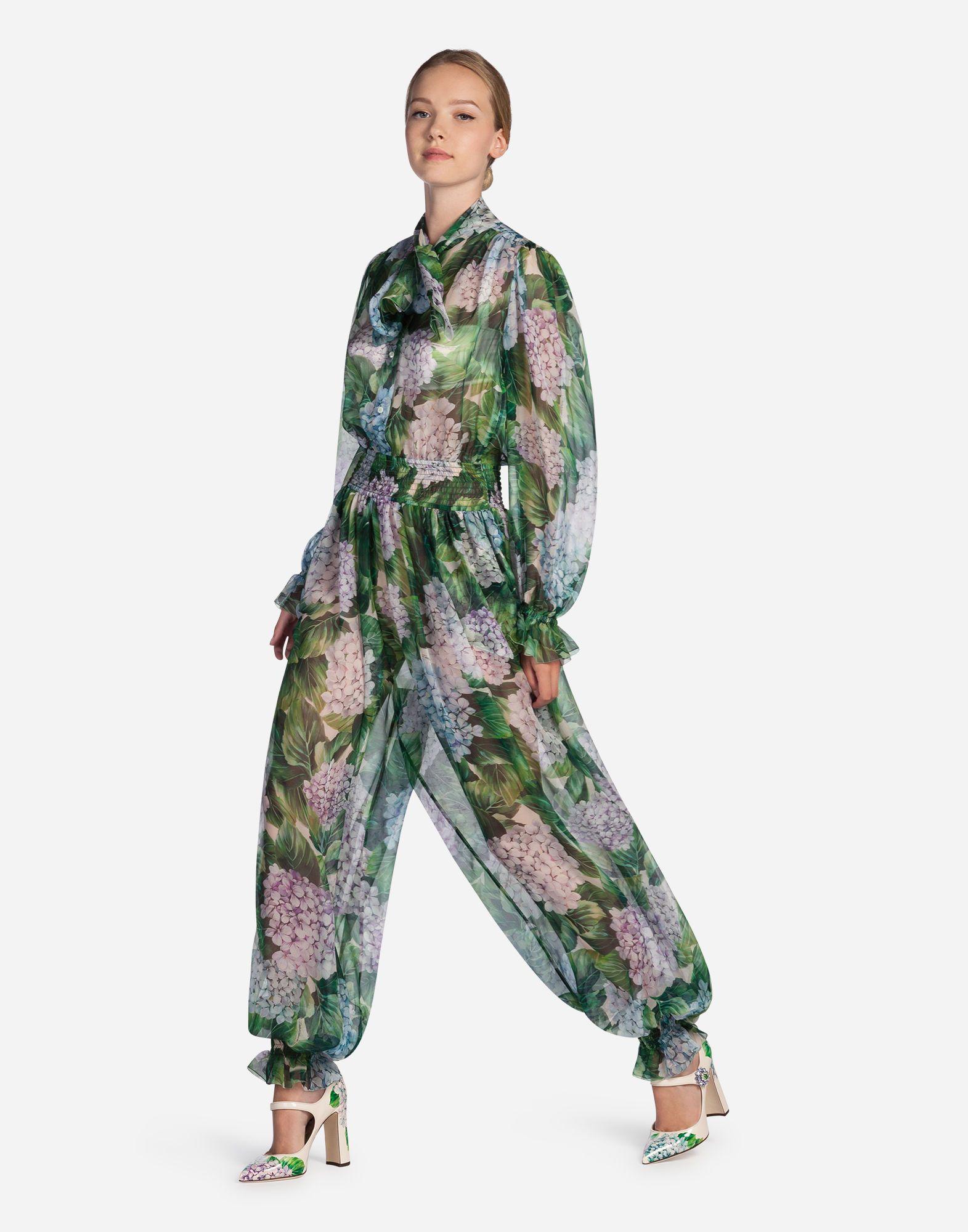 172b59d7c337 DOLCE & GABBANA Jumpsuit In Printed Silk. #dolcegabbana #cloth ...