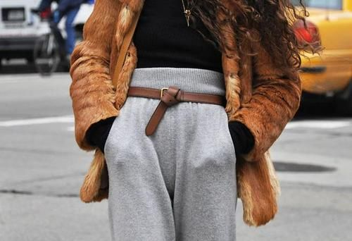 GAH are these chic-ly styled sweatpants?!