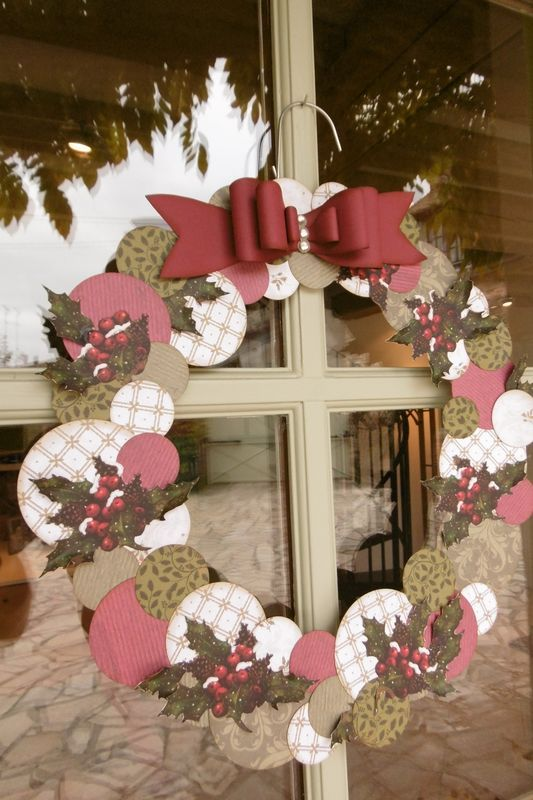 DIY: make a Christmas wreath with a hanger - Trendy Home Decorations #couronnedenoel