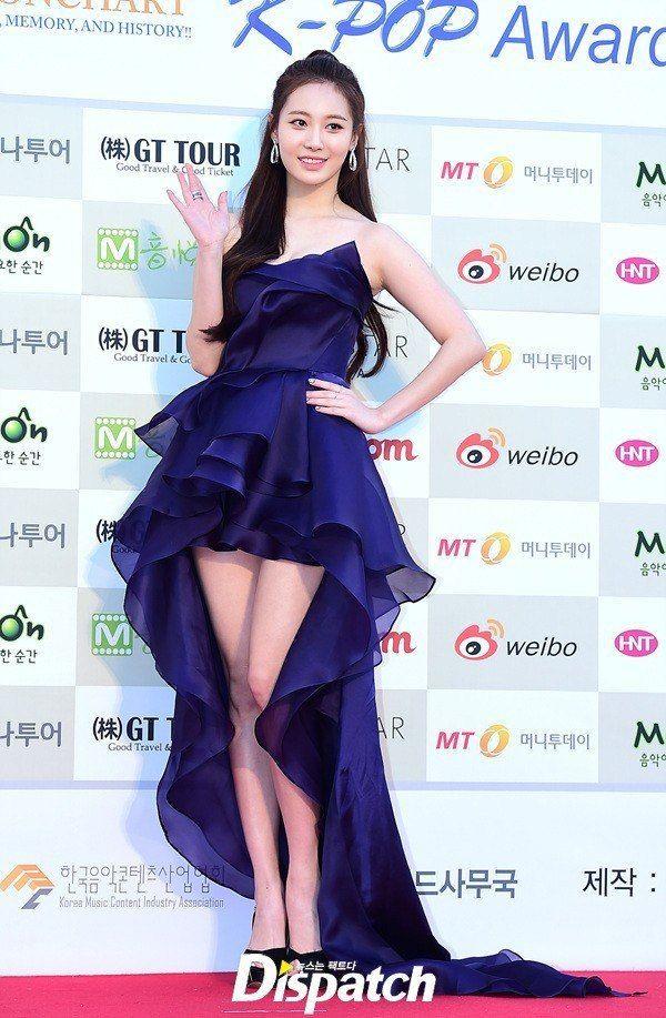 K Pop Idol Girl S Day Yura S Goddess Body Is Insured For Over 400 000 Usd Koreaboo Gadis Cantik Asia Wanita Wanita Cantik